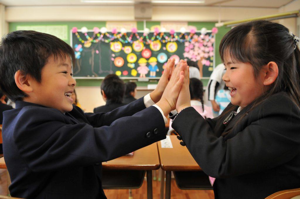 入学式の子どもたち。