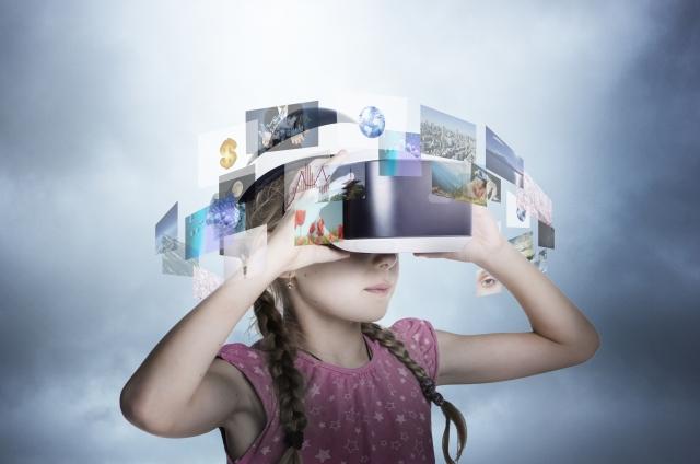 VRを操作する女の子