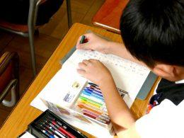 プラスチック色鉛筆 自由課題