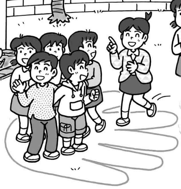 実際に、校庭に大仏の実物大の手のひらを描き、何人乗れるか試してみている様子