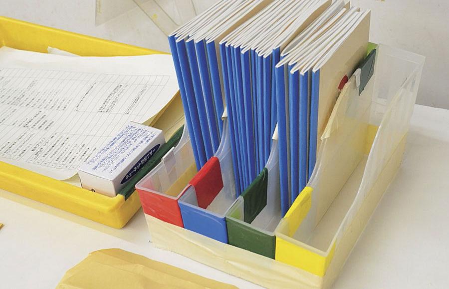 色別で連絡帳を出す場所を決めておきます