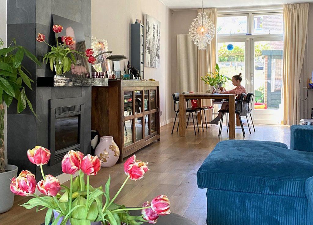 自宅学習するオランダの小学生