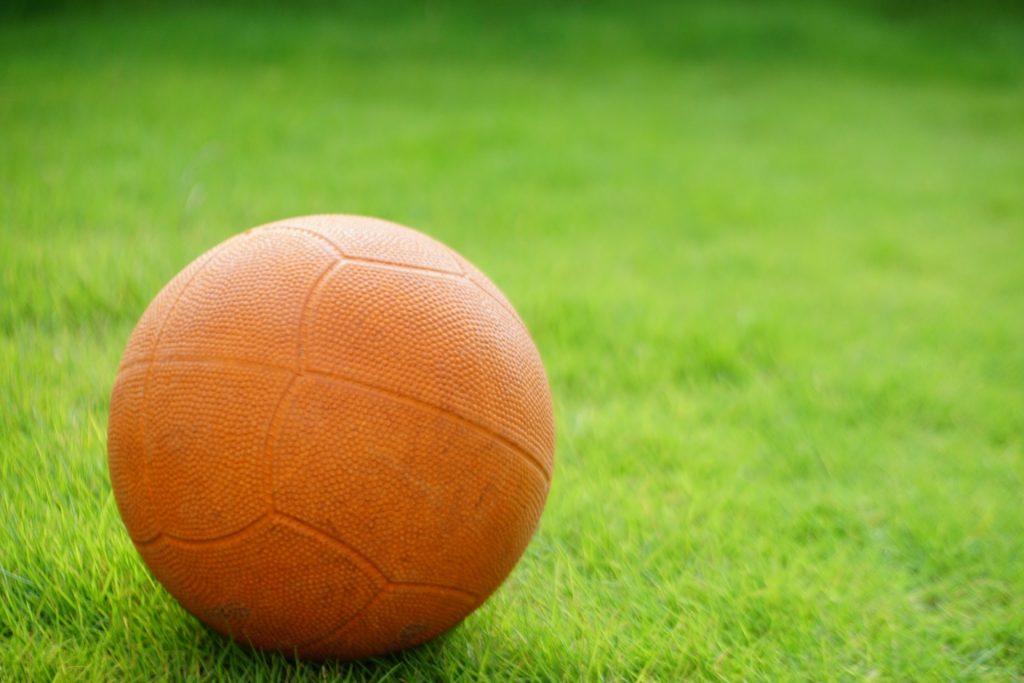 小2体育「ボールゲーム」指導のポイント