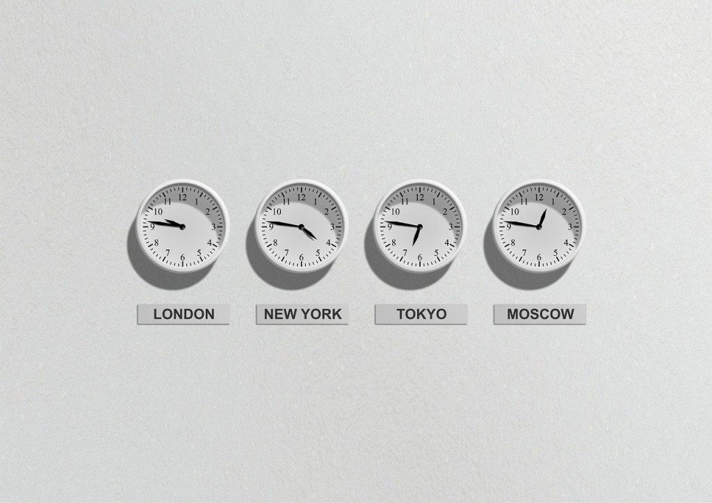 小3・4外国語活動:お気に入りの時刻を伝え合うアクティビティのポイントを解説します