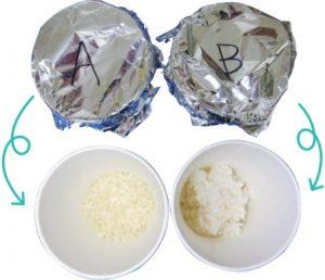 アルミホイルを被せて、中身を見えなくした米(A)と米飯(B)