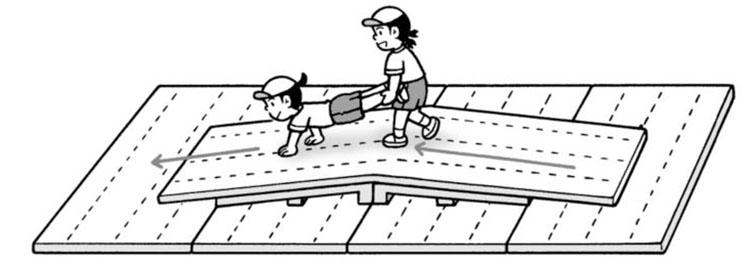 ●障害物手押し車(マット)〈移動+手押し車〉