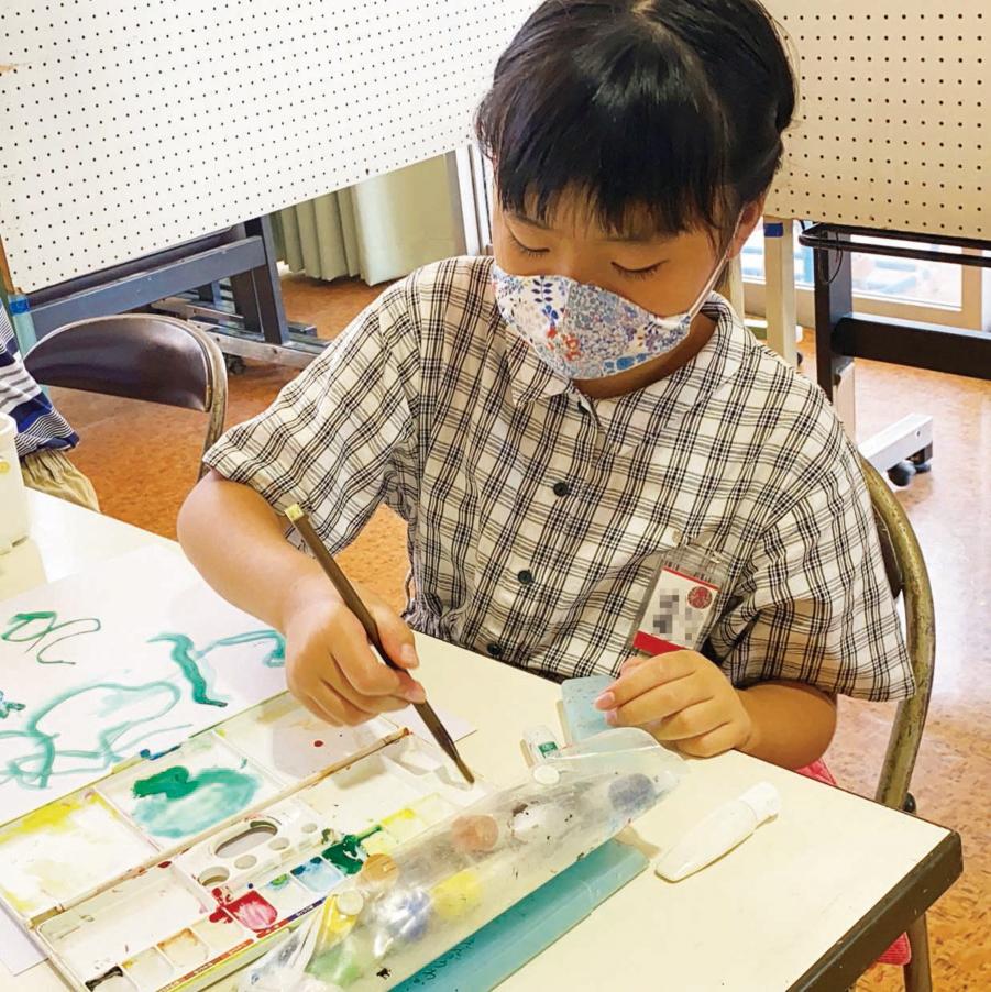 図画工作科の活動の様子
