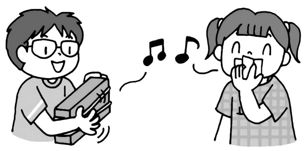 自作の楽器で音を出してみる