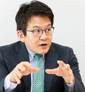 経済産業省初代教育産業室長の浅野大介さん