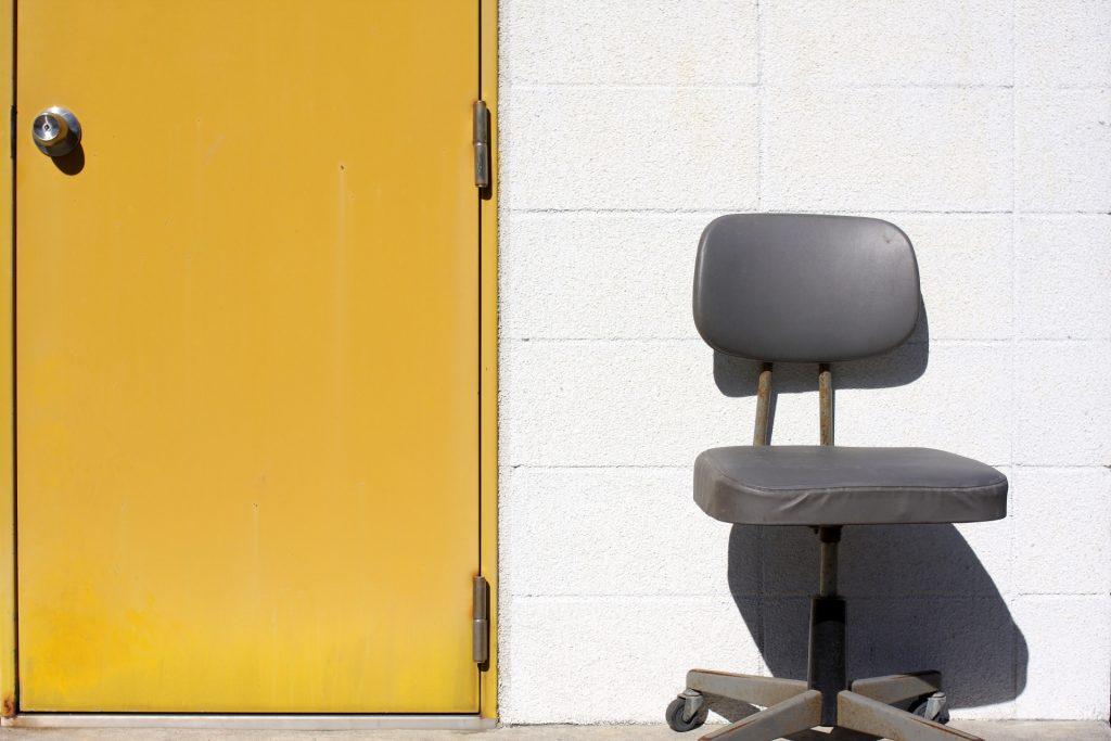 【相談募集中】教師の椅子に勝手に座る子供への対応は?